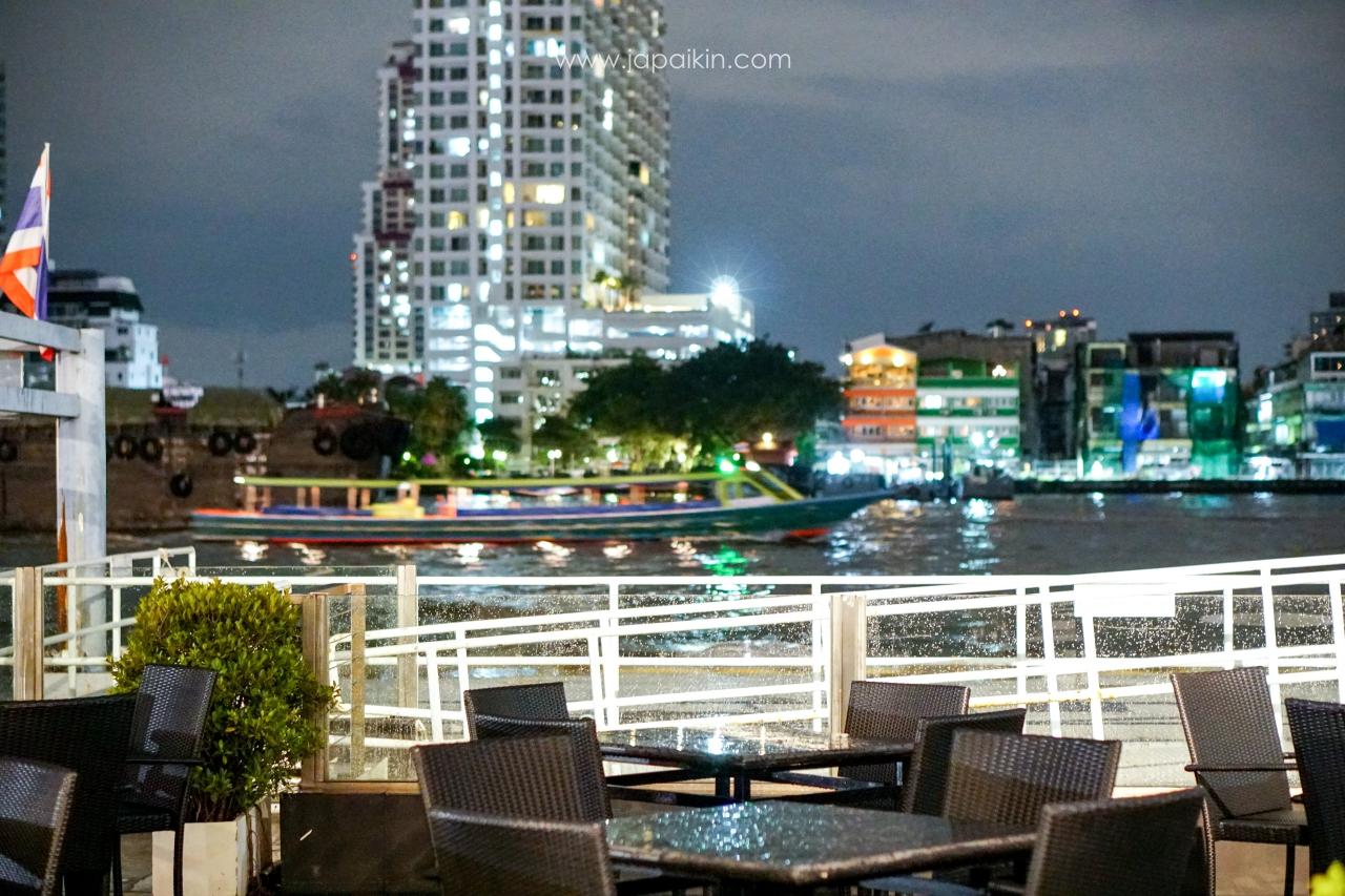 อ่านรีวิวห้องอาหาร The Terrace@72 โรงแรม RamadaPlaza Bangkok